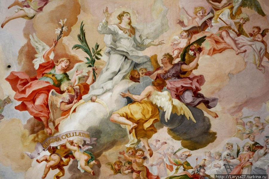 Detalhe do afresco central da Ascensão de Maria