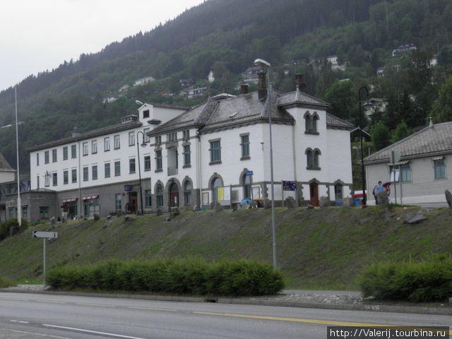 Железнодорожная станция Восса, она же ресторан Fleisher, она же гостиница.