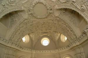 Лепной потолок кирхи.Работа итальянского мастера Фондако дай Тедеши.