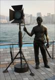 На аллее много вот таких скульптур, эта вот, например, памятник осветителю