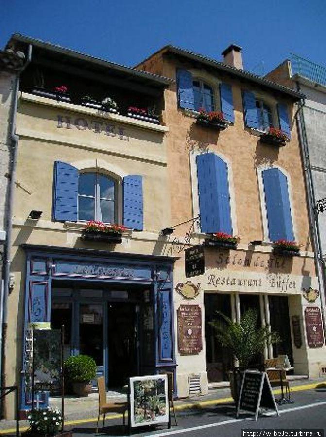 Отель  Le Calendal.
