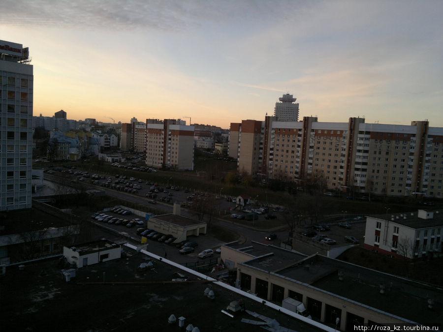 вид из окна номера вправо утром