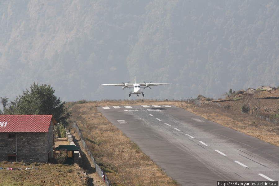 Утренний рейс из Катманду.
