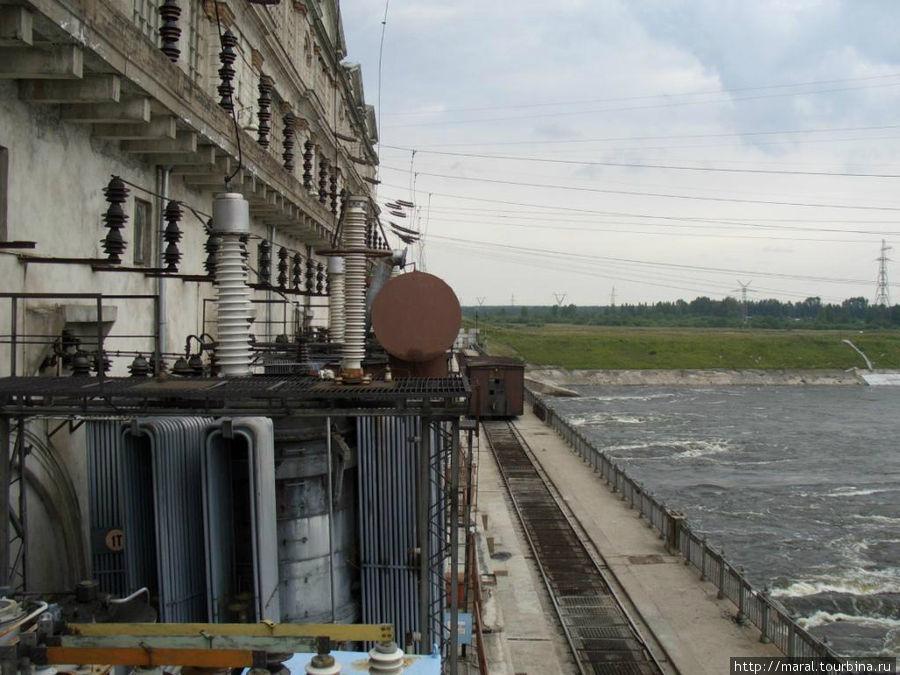 Трансформаторы на Рыбинской ГЭС сегодня