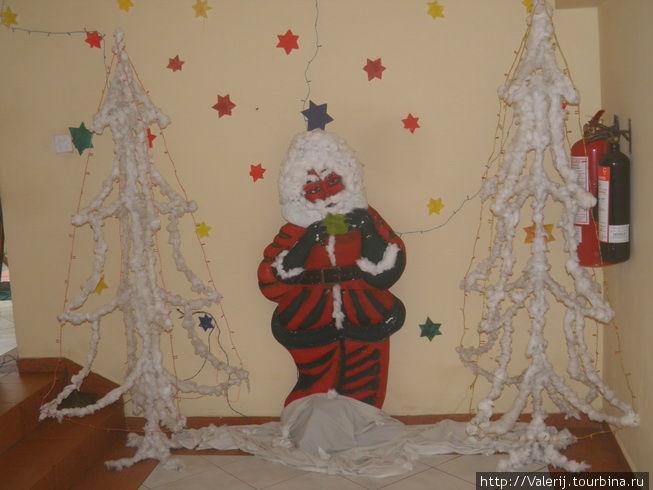 А так, по мнению шри ланкийцев, выглядит Дед мороз.