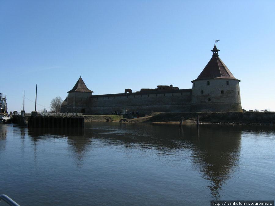Крепость Орешек с воды