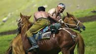 Аударыспак — «перевертыш» — спортивное состязание борцов на конях, цель которого скинуть противника с седла. Проводится весной и символизирует собой смену времени года в природе.