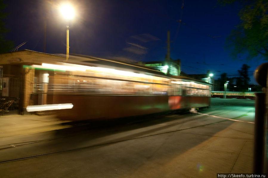 Прибытие трамвая.