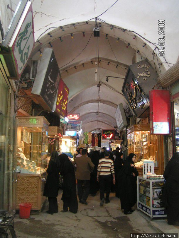 Один из уголков базара