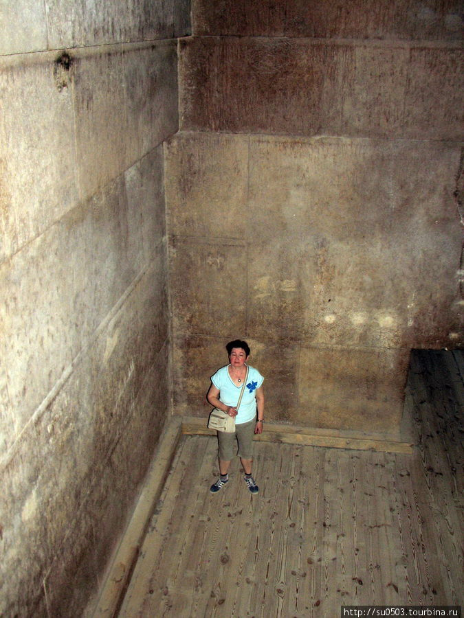 Камера в Красной пирамиде