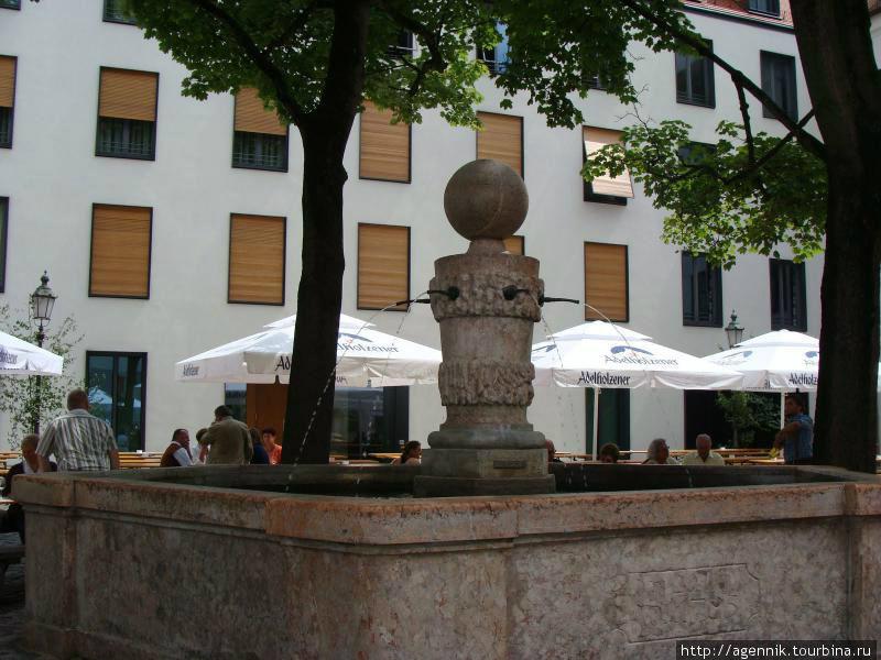 Фонтан в Старом Дворе — источник воды для защитников крепости