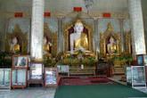 Будды в храме. Пагода Шве Сиен Кхон в Мониве