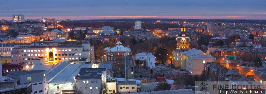 Вид на Башню и торговый центр.