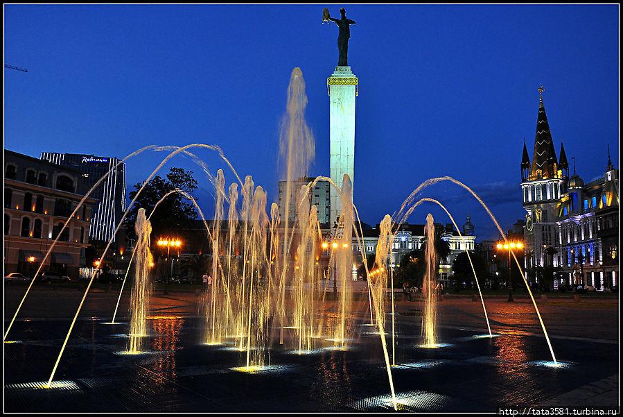 Батуми. Огни ночного города Батуми, Грузия
