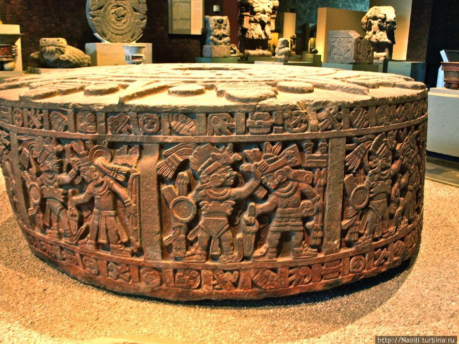Камень Тисок — изображает сражение, подобное представлению гладиаторов древнего мира.