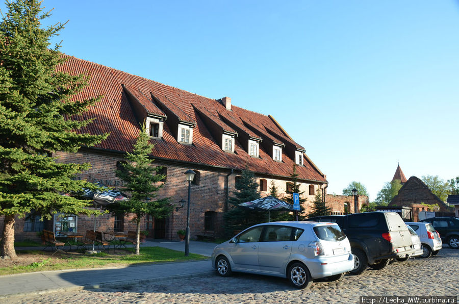 Гостиница и парковка