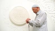 Ширакши – мусульманский священнослужитель, хранитель  комплекса Акмечеть, построенного на родовом некрополе