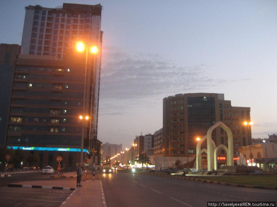 Центральная улица Аджмана.