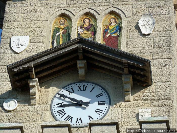 Фрагмент башни с часами