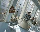 """В сентябре 1959 года впервые в истории советский автоматический аппарат """"Луна-2″ успешно достиг другого небесного тела, доставив на поверхность спутника Земли вымпел с изображением герба Советского Союза и надписью """"Союз Советских Социалистических Республик. Сентябрь 1959″"""