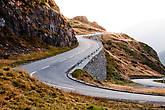 На дороге редко встречаются автомобили, и вообще кажется, что трасса совсем не популярна. Однако, качество покрытия, как и везде — отменное.