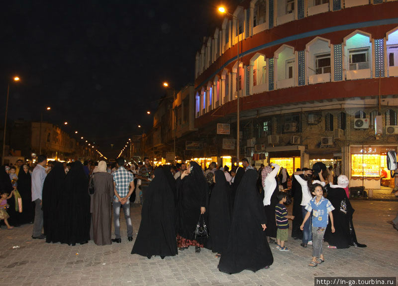 Вечером около мечети