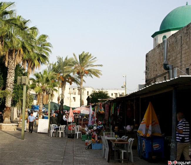 Рыночек, прилепившийся к мечети