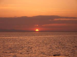 Восход над солончаковым озером
