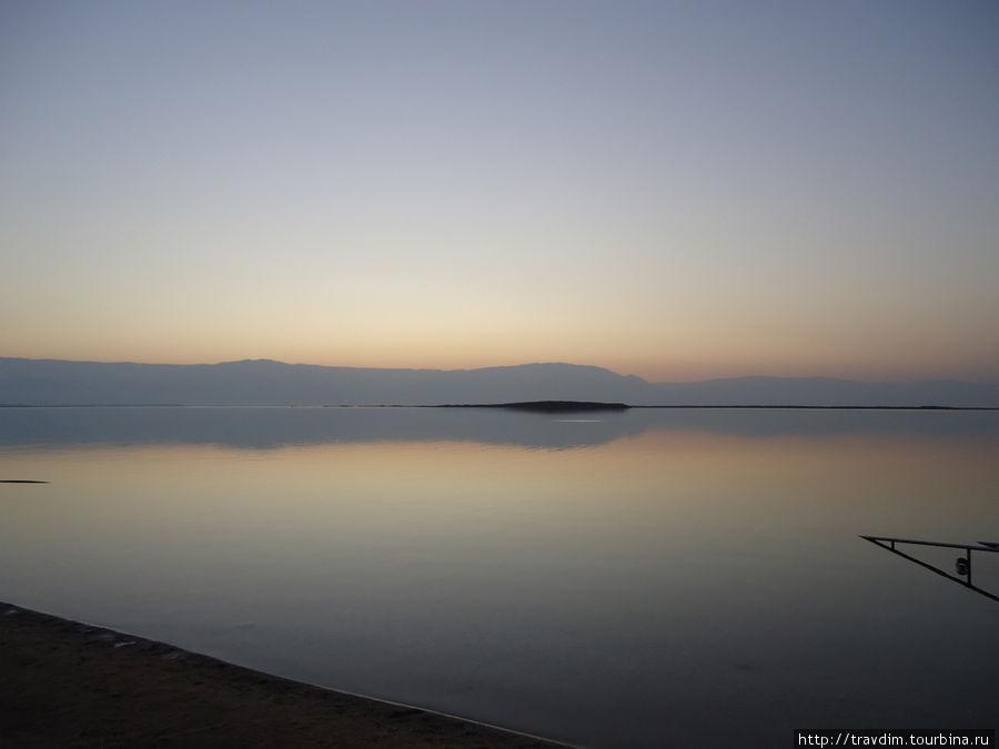 Рассвет на Мёртвом море