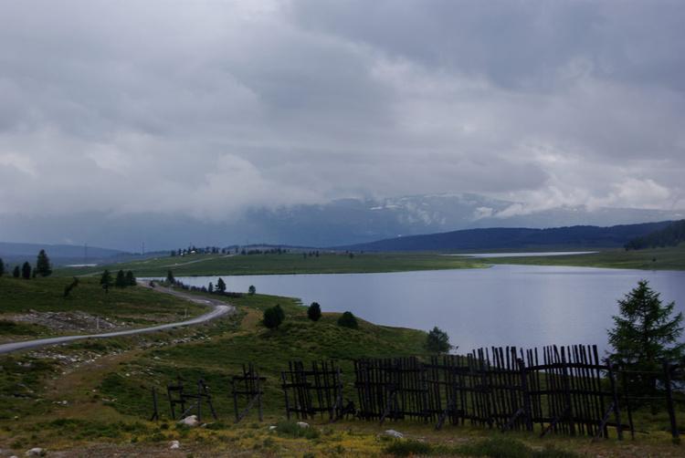 Озера неподалеку от перев
