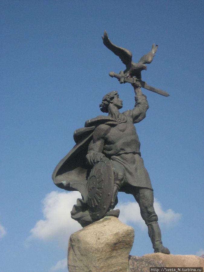 Памятник Василию Храброму Малоярославец, Россия