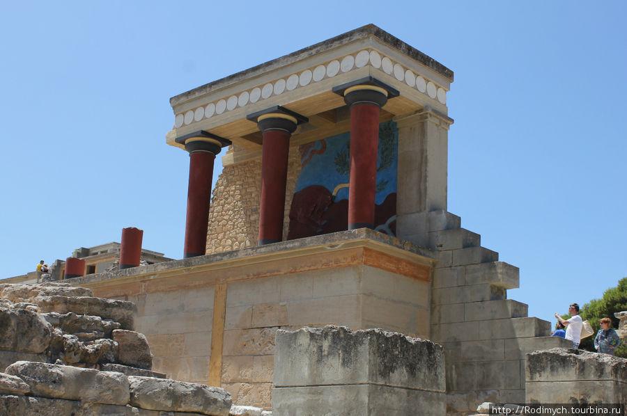 Самые известные колонны Кносского дворца