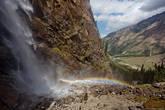 Один из водопадов с видом на долину Барскаун. Ох, ну и находился я там по горам...