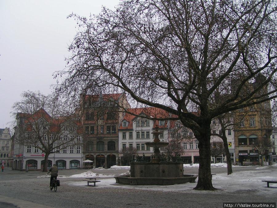 Парадный вид площади