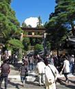 вход в храм  Sakurayama Hachiman Shrine