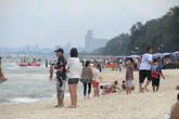 Так называемый безлюдный пляж:) на заднем плане видны кокосовые пальмы))) ими там и не пахнет