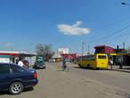 Перед вокзалом, что не типично для простого села, есть привокзальная площадь