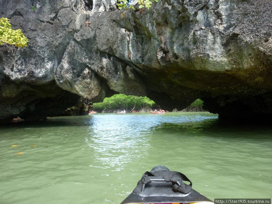 Южный Таиланд. Андаманское море. Внутренние лагуны острова Хонг.