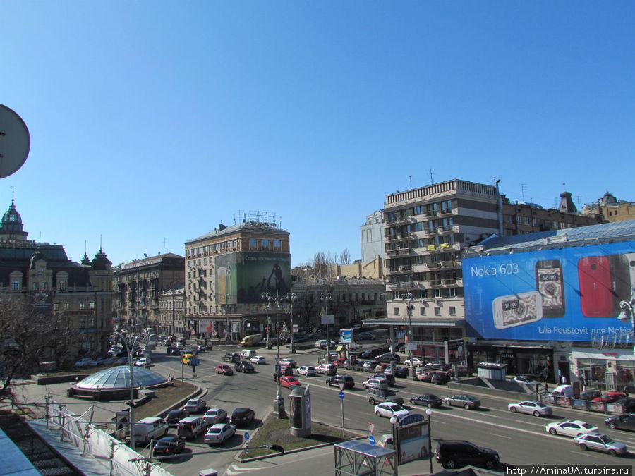 вид с балкона влево — Бессарабская площадь