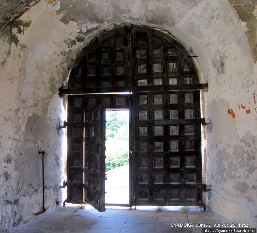 ТА самая дверь.