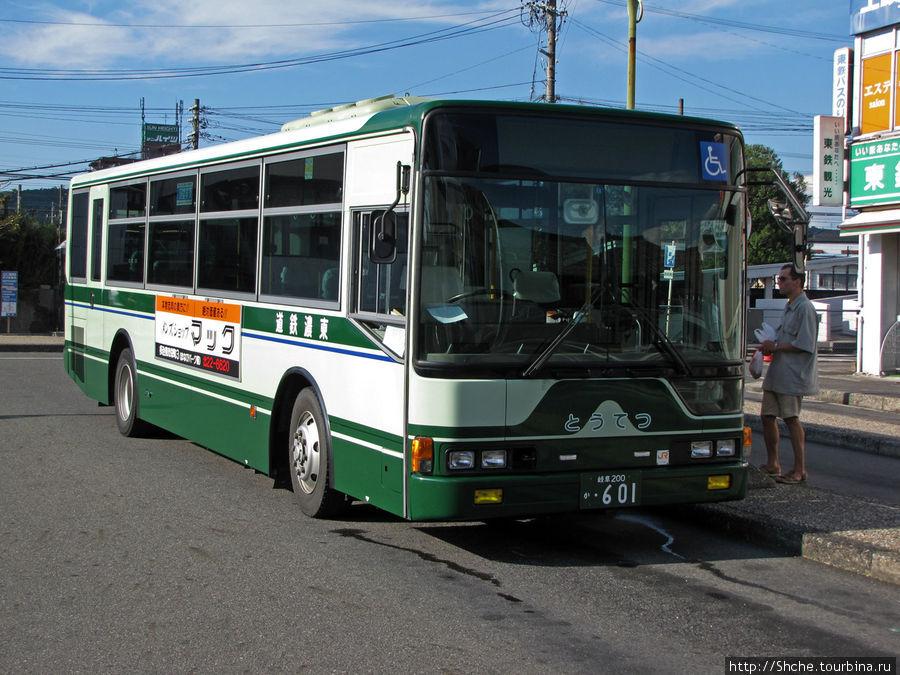 Автобус на ж.д. станции, идущий в Toki Premium Outlet