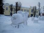 Ледяной локомотив на центральной площади