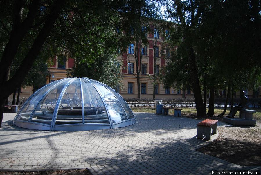 На зиму фонтан закрыт