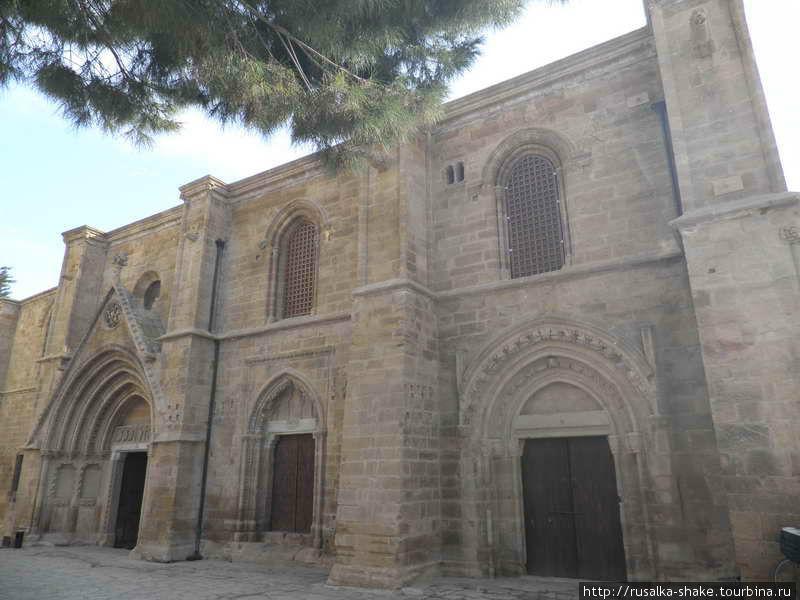 Бедестен (Собор Св. Николая) Никосия (турецкий сектор), Турецкая Республика Северного Кипра