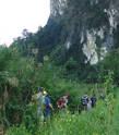 Конечно, французы. Пройдя гору насквозь, они ждали нас еще полчаса. Но на этом поход не закончился. Пройдя еще пару-тройку километров вдоль скал, мы вышли к реке...