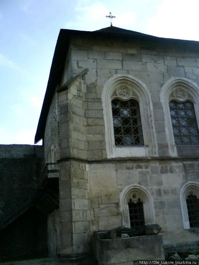 Церковь святых Константина и Елены, XIIIв. (внутренний двор крепости)