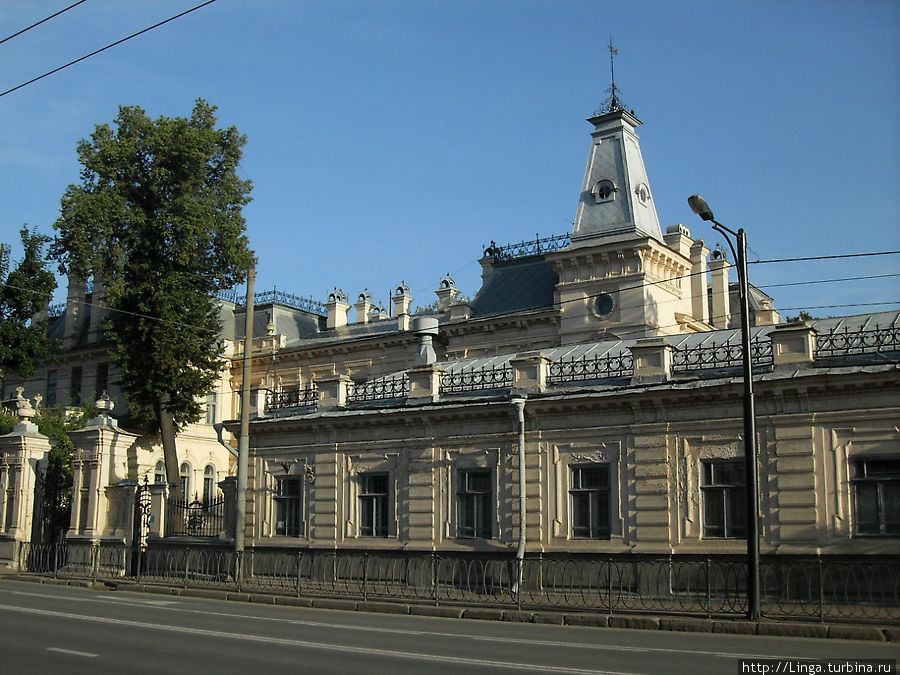 Государственный музей изобразительного искусства Республики Татарстан располагается в усадьбе генерал-губернатора Сандецкого
