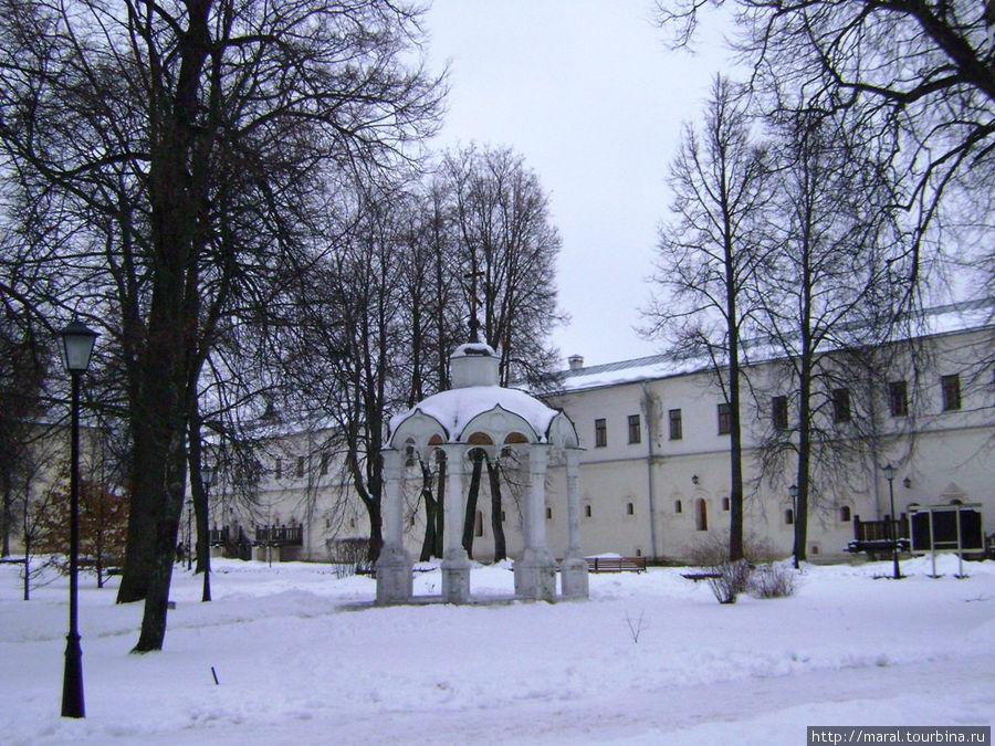 Братский корпус монастыря