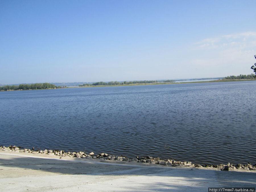 Вид на острова с набережной Энгельса.