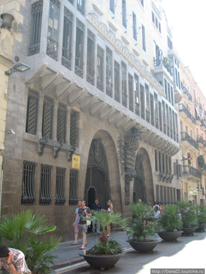 Дворец Гуэля — один из шедевральных заказов великого Мецената великому Мастеру